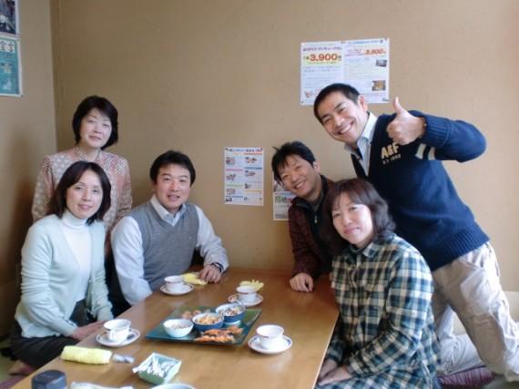 左から古賀さん、酒井さん、稲益さん白川さん、帆士さん、日高