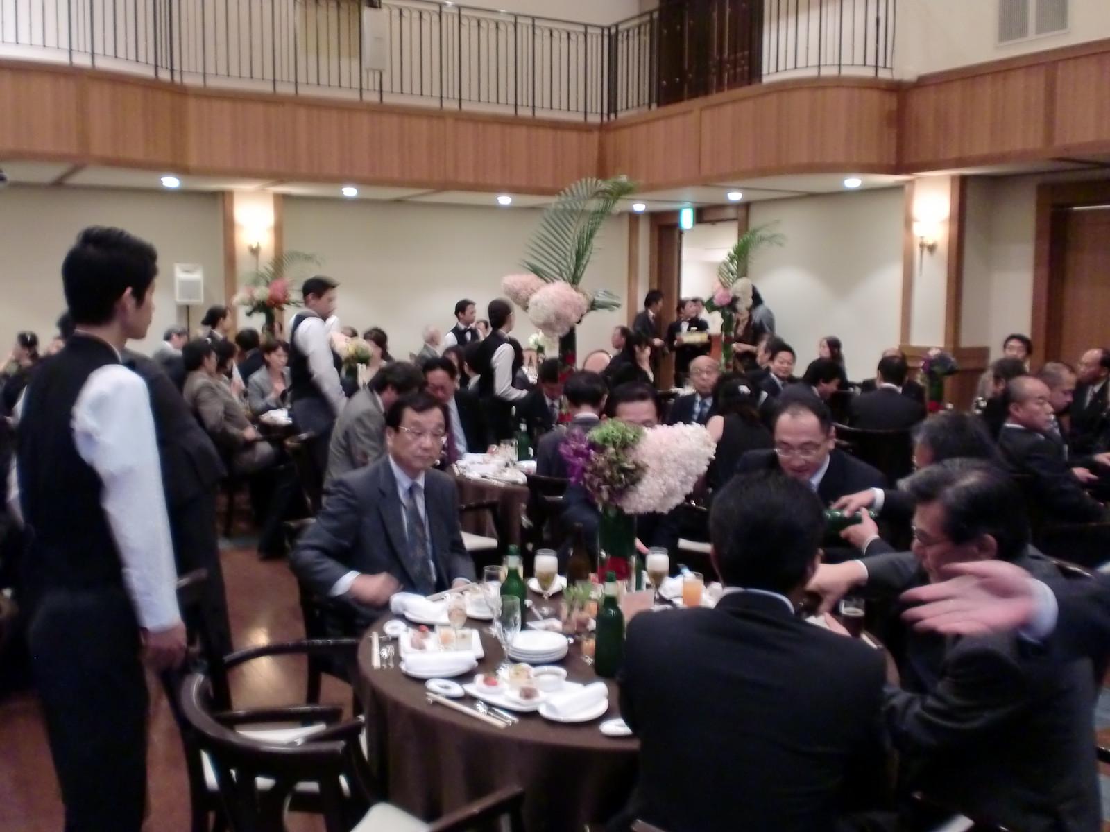 アイ・ケイ・ケイ㈱様の上場記念パーティーに参加しました。